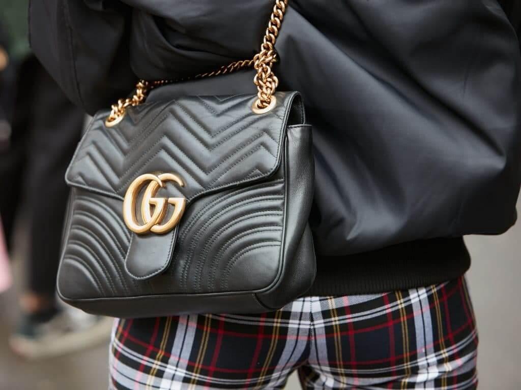 Come riconoscere una borsa Gucci autentica da un'imitazione