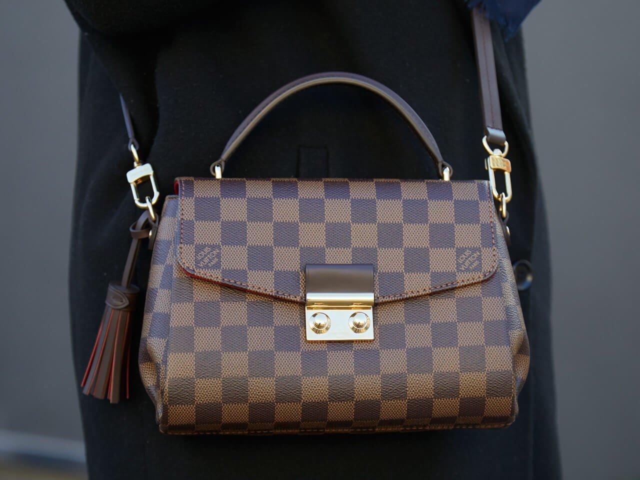 Come riconoscere una borsa Louis Vuitton autentica da un'imitazione