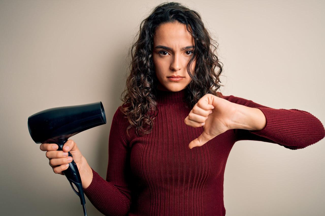 4 Motivi per Cui Devi Cambiare l'Asciugacapelli