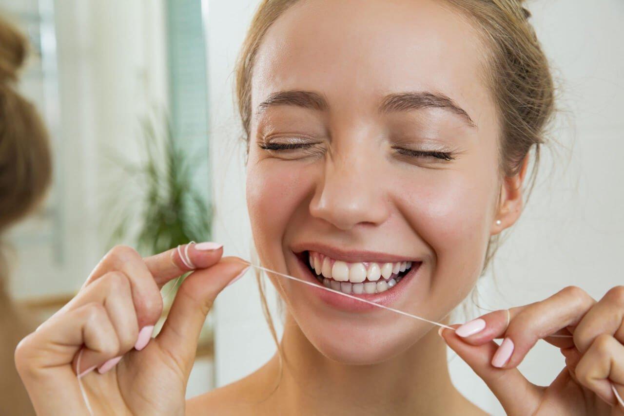 prenditi cura dei denti ogni giorno con costanza e metodo