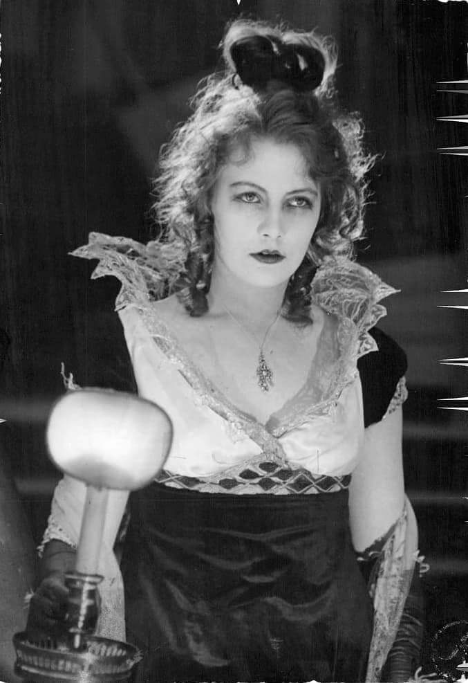 A-young-Greta-Garbo-in-Gösta-Berling's-saga-391769817552