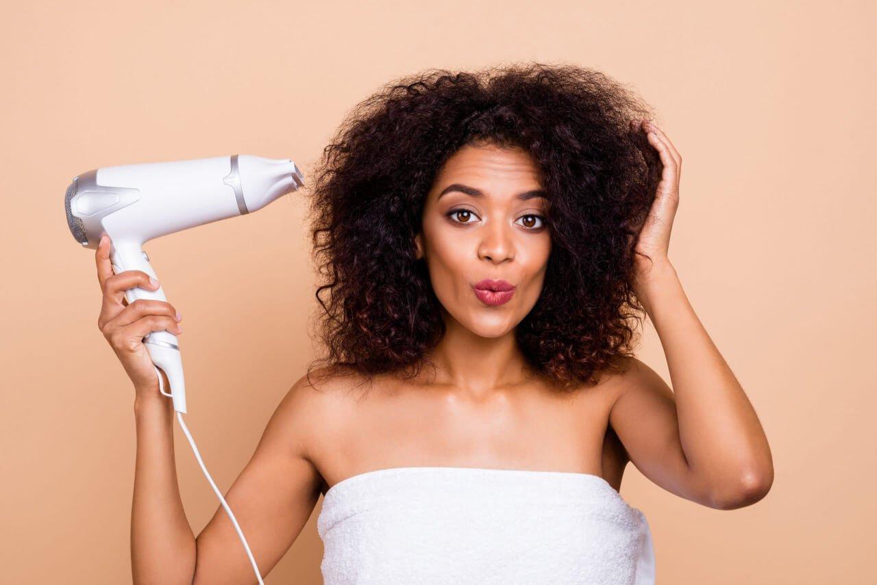 I criteri da analizzare per trovare un asciugacapelli di buona qualità
