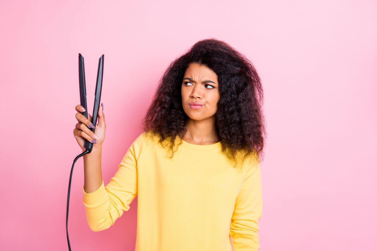 Prendersi cura dei capelli quando si utilizza la piastra