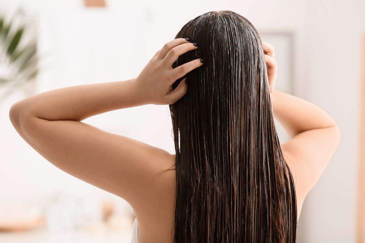 Shampoo e balsamo liscianti