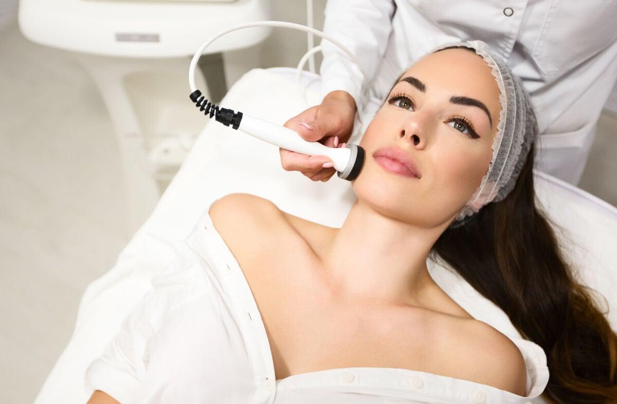 I benefici degli ultrasuoni per il viso