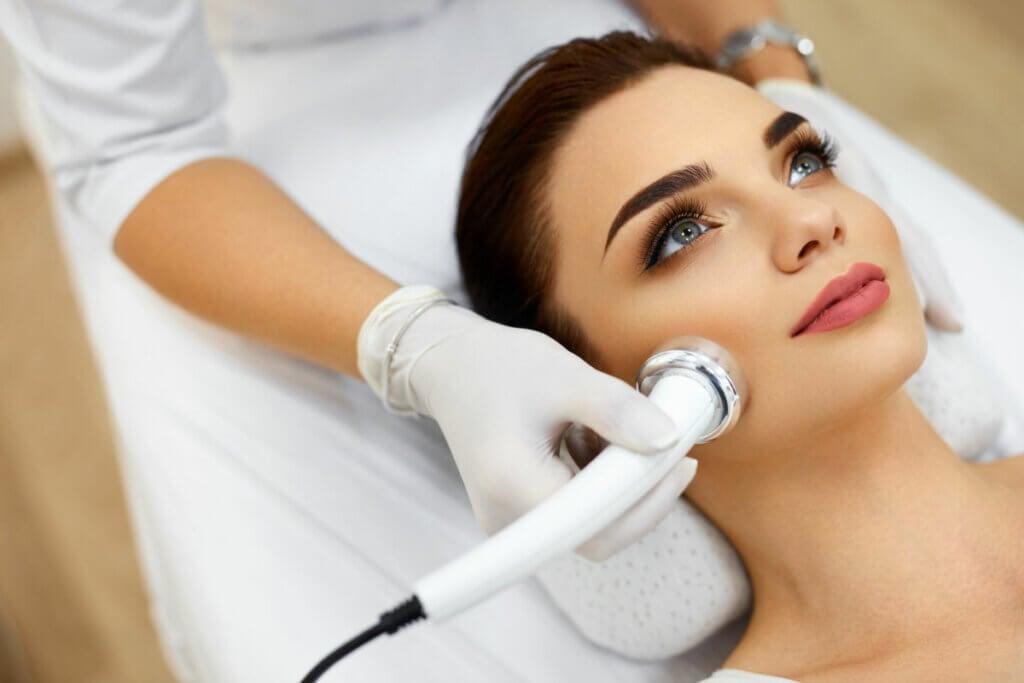 Ultrasuoni i 5 maggiori benefici per corpo e viso